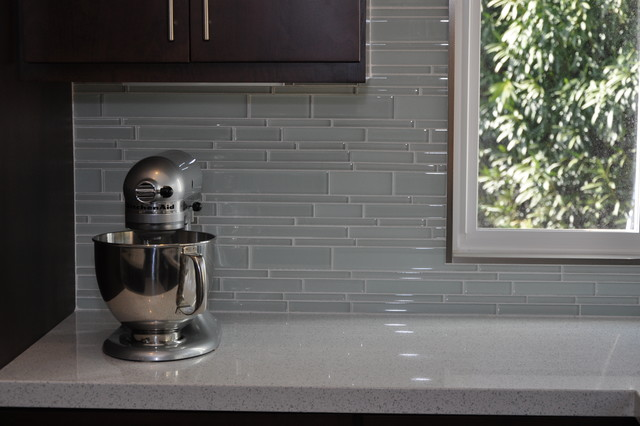 Groutless Kitchen Backsplash
