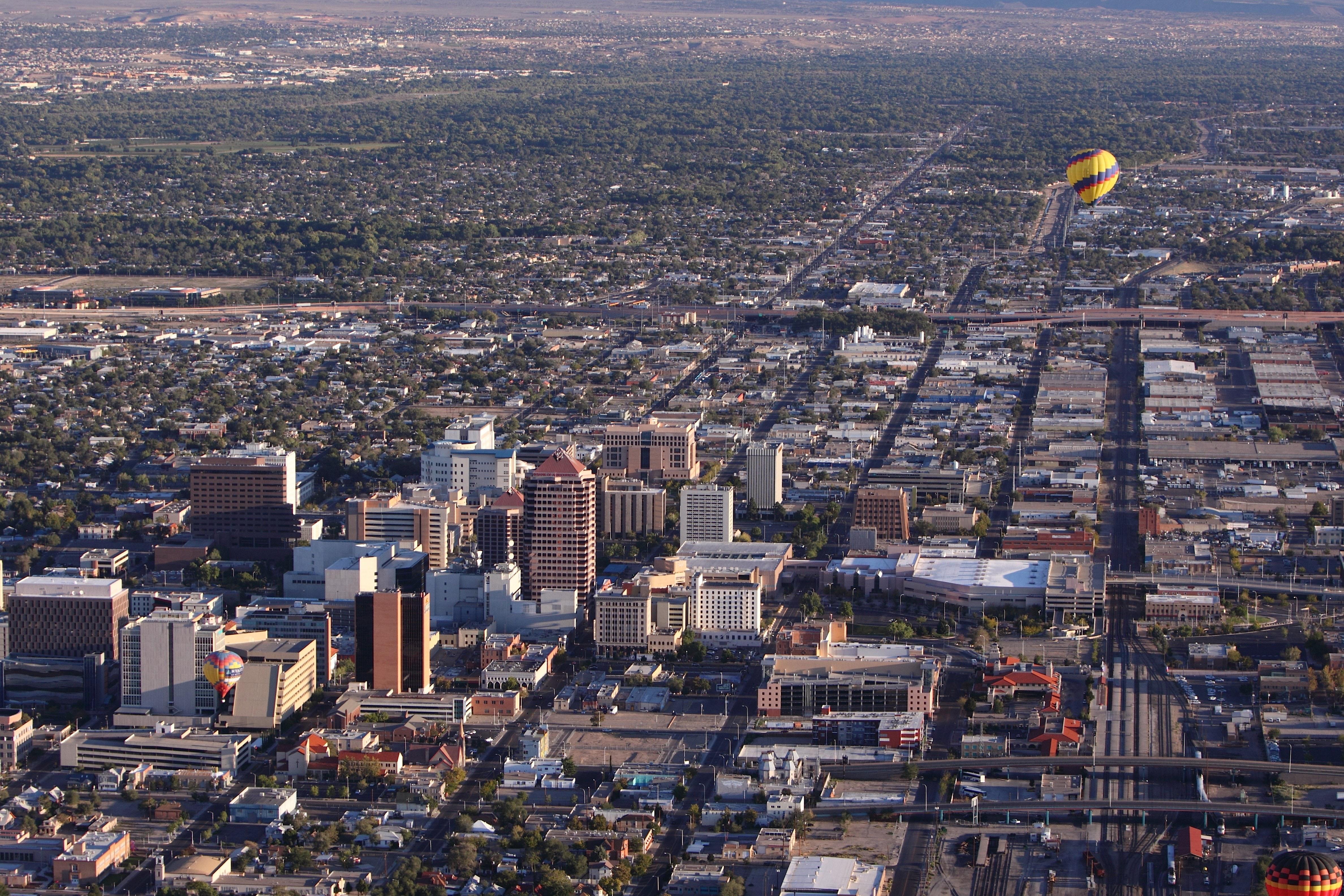 Skyline view of Albuquerque, NM.