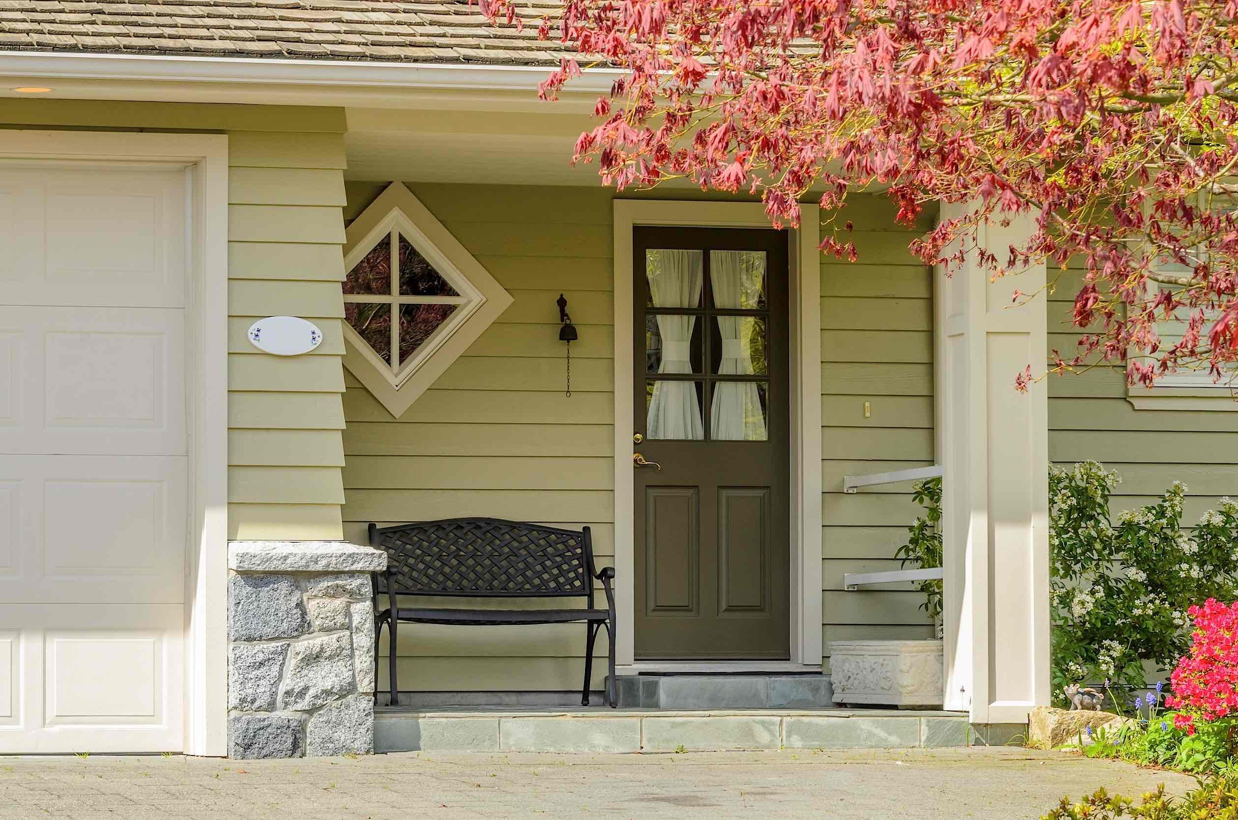 Curd appeal front door