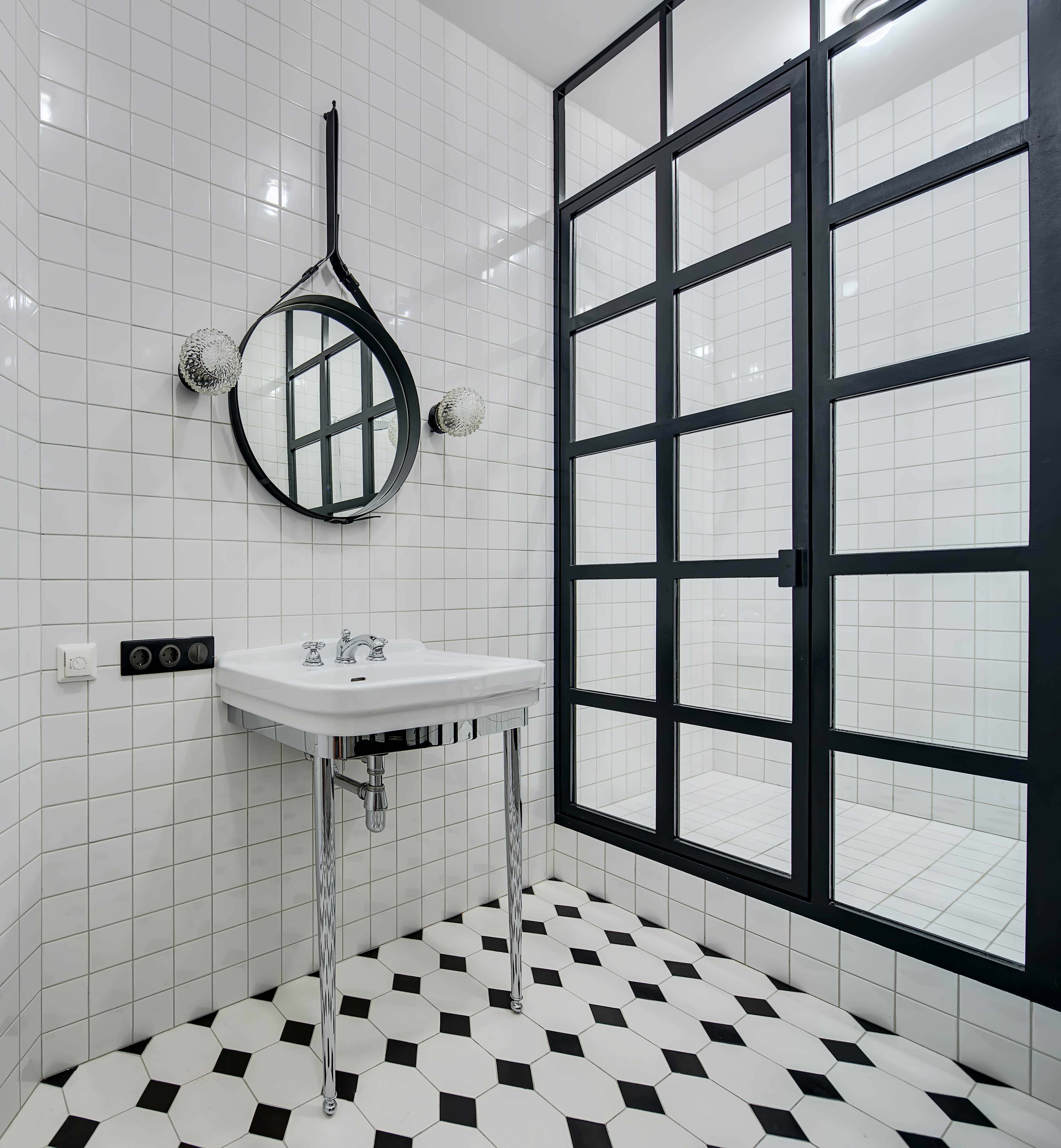 Black & White Tile